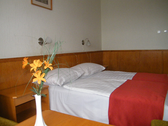 Modern és tágas szobák a Balaton partján